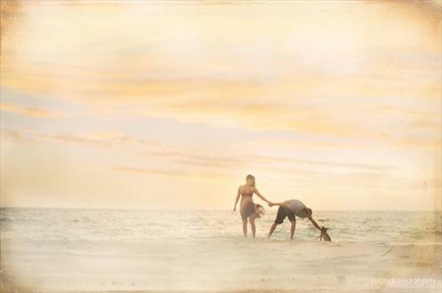 mala-henri-beach-engaged01