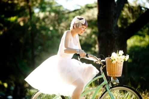 leisa-brett-bicycle-engagement68