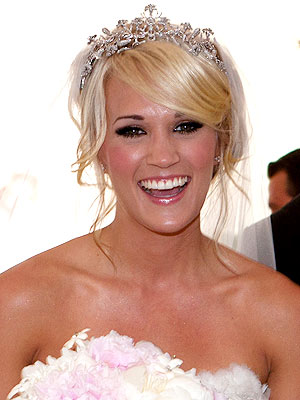 carrie underwood 02 300x400 The 2010 Wedding Countdown