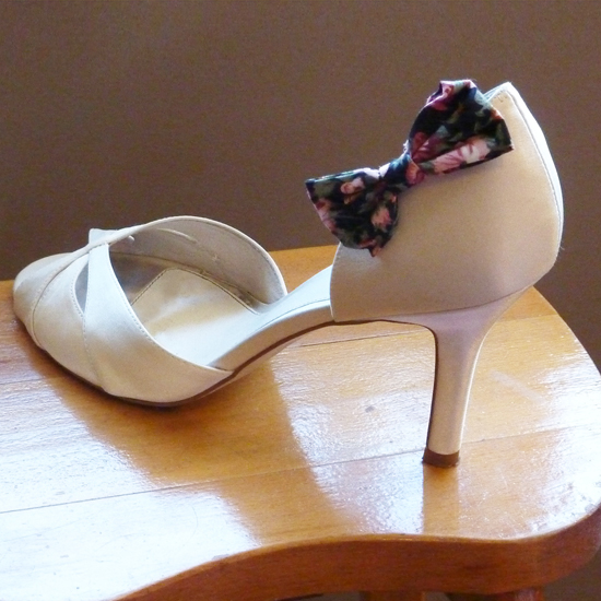 Shoe with bow S