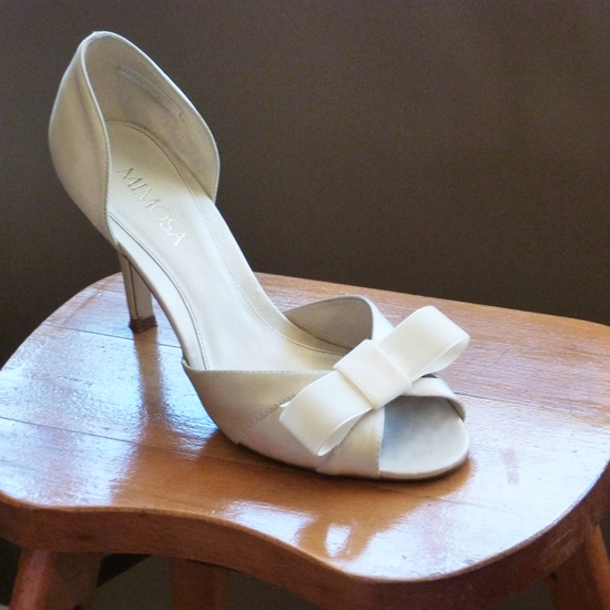 Shoe with ribbon bow S