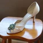 Shoe-with-brooch-S