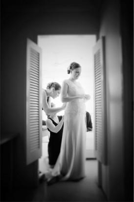 bride in elizabeth de varga