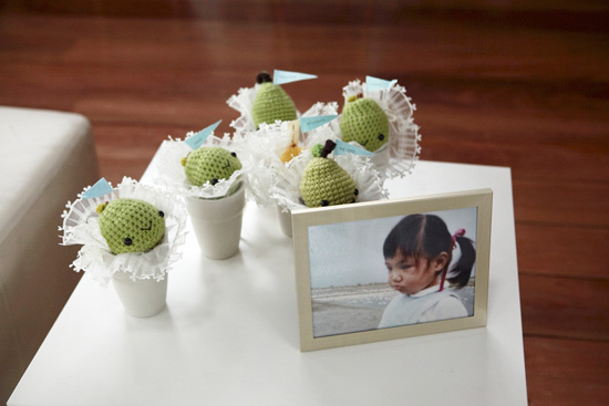 Crochet Your Own DIY Wedding Favors! | Strings Away | 367x550