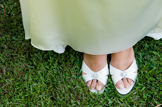 gettng married on grass0001