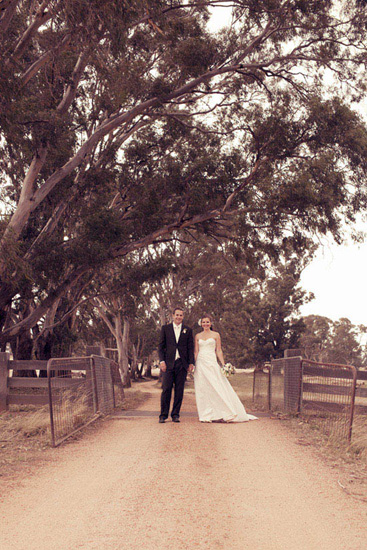 To cap today off we have the most gorgeous country at home wedding but