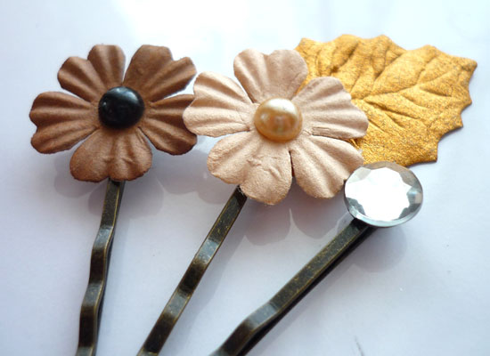 paper flower 2 Paper Flower Hair Pins Tutorial