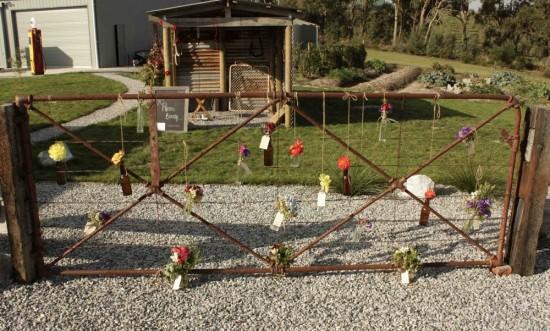 venue gates e1319708092902 A Florists Country Wedding Emma and Braden