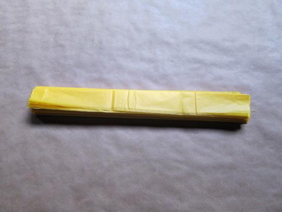 paper pompom tutorial007 Tissue Paper Pom Pom Tutorial