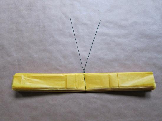 paper pompom tutorial008 Tissue Paper Pom Pom Tutorial