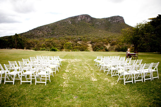 grampians wedding27 Happy Australia Day! (Why Australian Weddings Are Awesome)