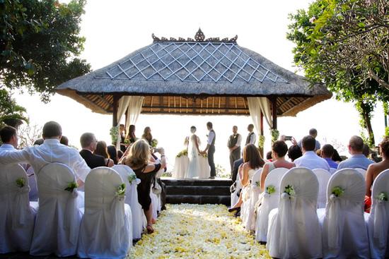 ayana resort wedding bali019 Sarah and Marks Bali Destination Wedding