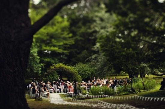 allie tom 0613 550x366 Tips For Outdoor Wedding Ceremonies