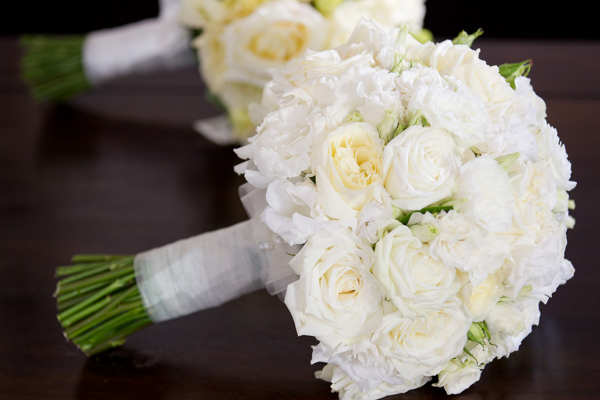 Garden Roses Bouquet White roses  garden roses and