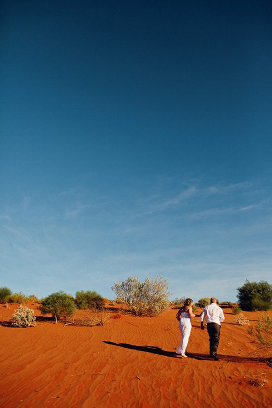 sunrise uluru wedding034 Charntelle and Michaels Sunrise Uluru Wedding