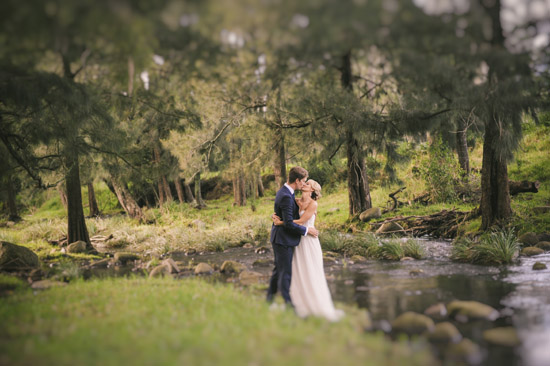 kangaroo valley wedding bride and groom Katy and Steves Beautiful Kangaroo Valley Wedding