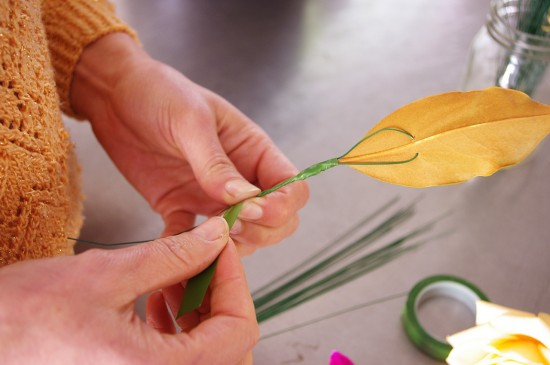 button 3 550x365 DIY Floristy Buttonholes Tutorial
