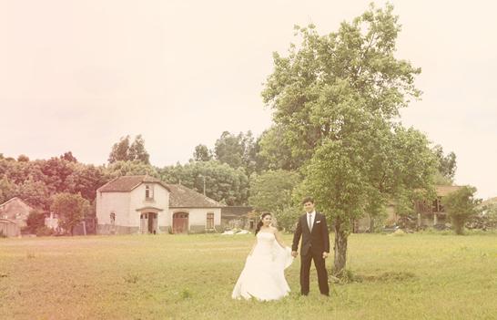 shabby chic wedding1 Destination Weddings In Portugal