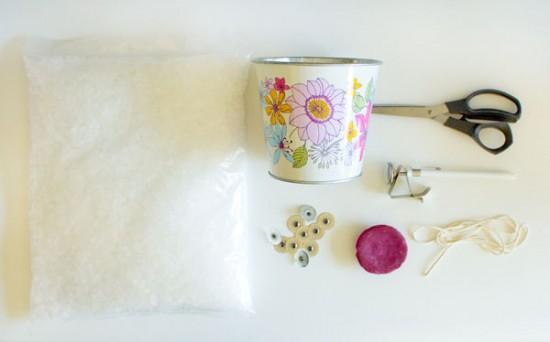 Akimbo candle tin materials 550x342 DIY Centrepiece Candle Tins Tutorial