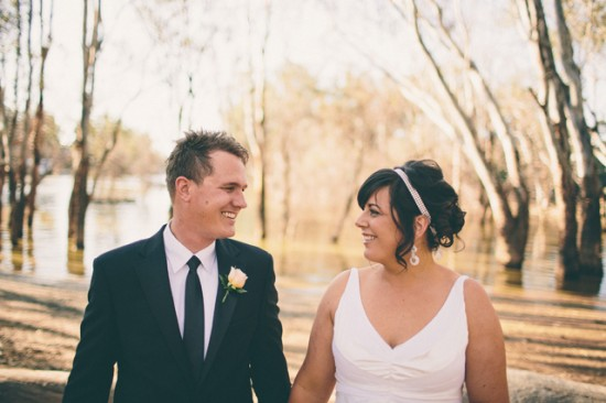 meyer 306 550x366 Rebecca and Theuniss Rustic Murray River Wedding