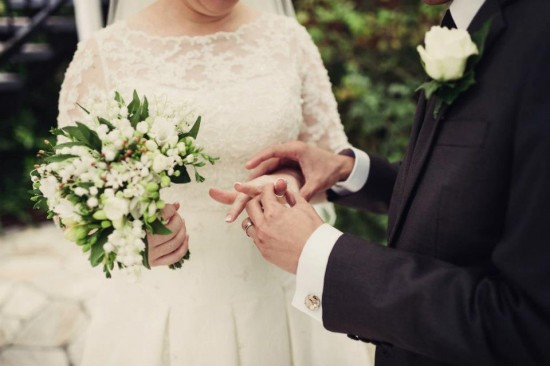 480920 526390800707779 1213977808 n 550x366 Princess Catherine Style Brisbane Wedding With A Twist