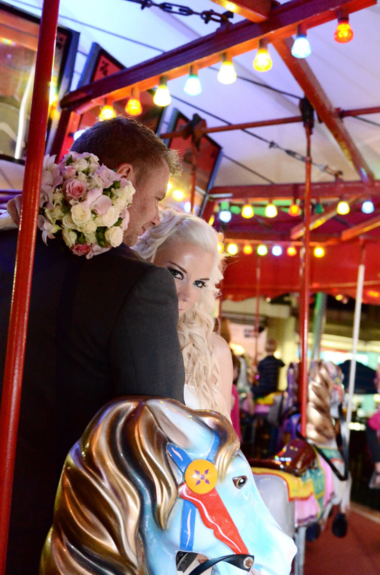 Carousel Erin And Shawns Romantic Broadbeach Wedding