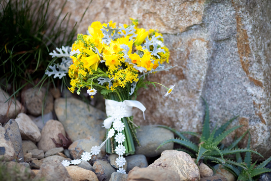 bohemian flower inspiration009 Garden Bohemian Wedding Inspiration