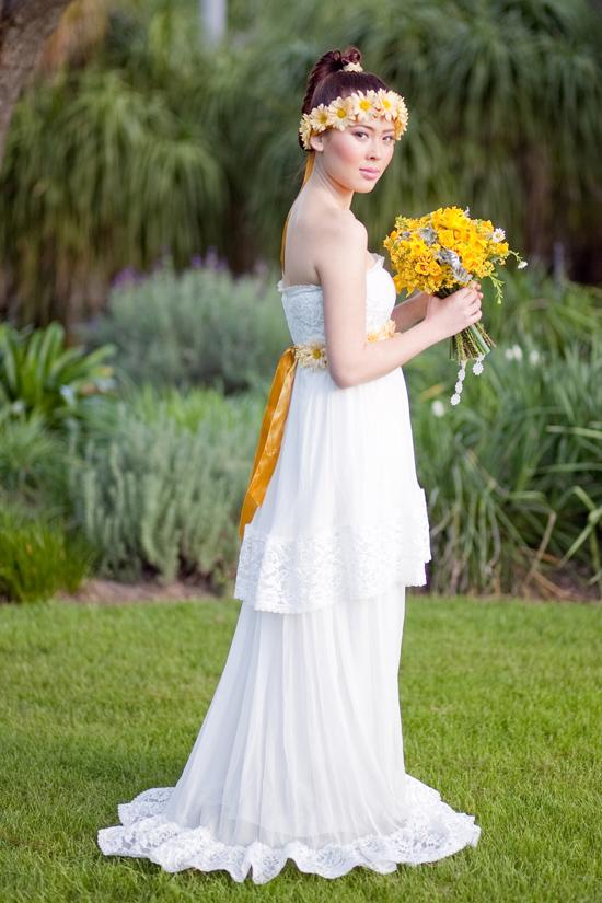 bohemian flower inspiration015 Garden Bohemian Wedding Inspiration