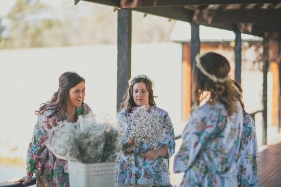 carla iain 052 550x366 Carla & Iains Classic Rustic Hunter Valley Weekend Wedding