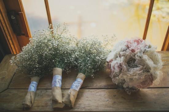 carla iain 069 550x366 Carla & Iains Classic Rustic Hunter Valley Weekend Wedding