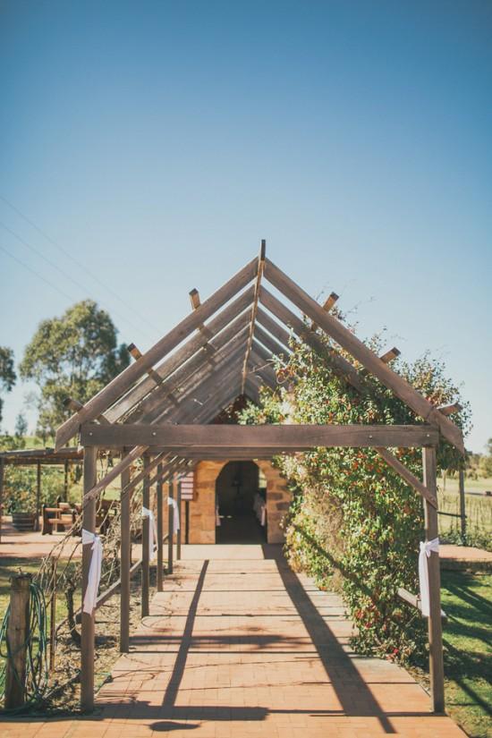 carla iain 117 550x825 Carla & Iains Classic Rustic Hunter Valley Weekend Wedding