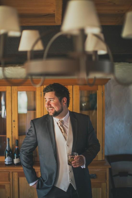 carla iain 164 550x825 Carla & Iains Classic Rustic Hunter Valley Weekend Wedding