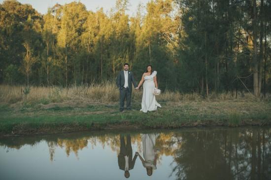 carla iain 472 550x366 Carla & Iains Classic Rustic Hunter Valley Weekend Wedding