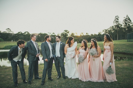 carla iain 524 550x366 Carla & Iains Classic Rustic Hunter Valley Weekend Wedding