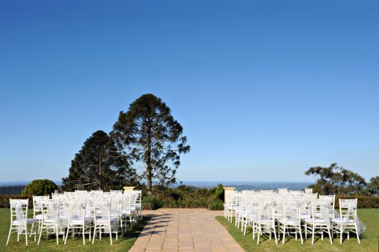 chic flaxton gardens wedding016