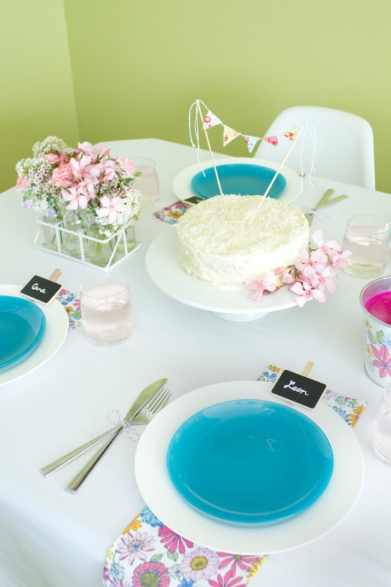 sweet floral table 02 550x825 Spring Floral Table Styling Ideas