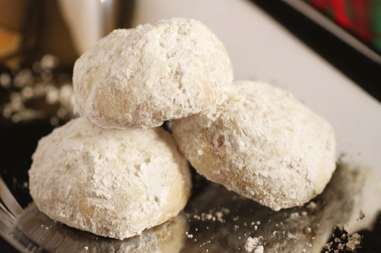 4162584598 75a831b19e z 550x366 Russian Teacakes Recipe