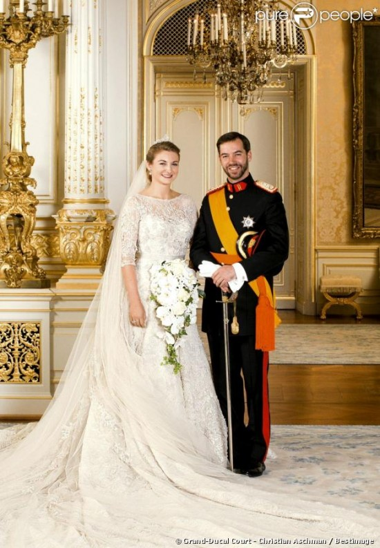 960892 portrait officiel du prince guillaume 620x0 2 550x793 The 2012 Celebrity Wedding Countdown