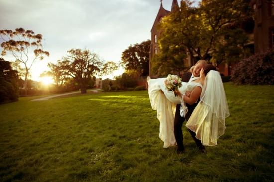 TB 252 201208120825 DX 63021 550x366 Lisa & Macca's Vintage Inspired Convent Wedding