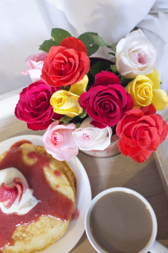 Valentines breakfast 21 550x825 Valentines Day Breakfast In Bed (& Free Printable Card)
