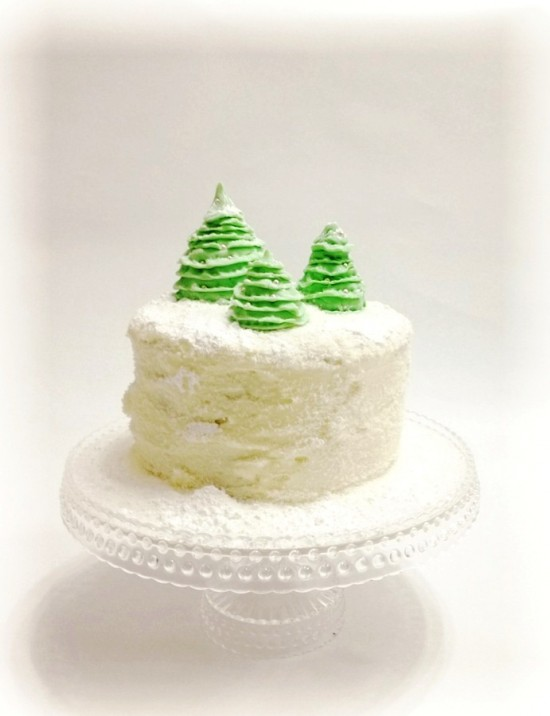 main photo 550x716 Ruffle Christmas Tree Cake Topper Tutorial
