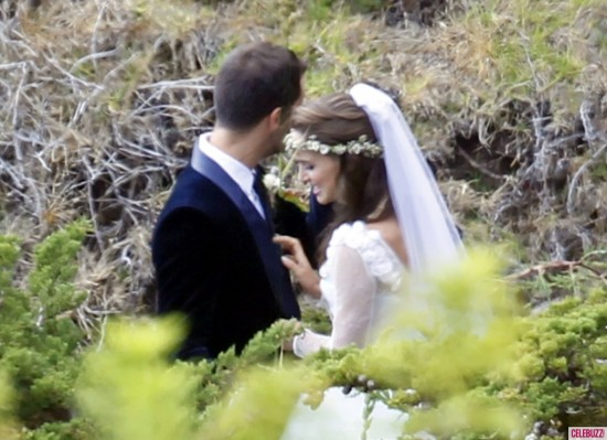 natalie portman 550x399 The 2012 Celebrity Wedding Countdown
