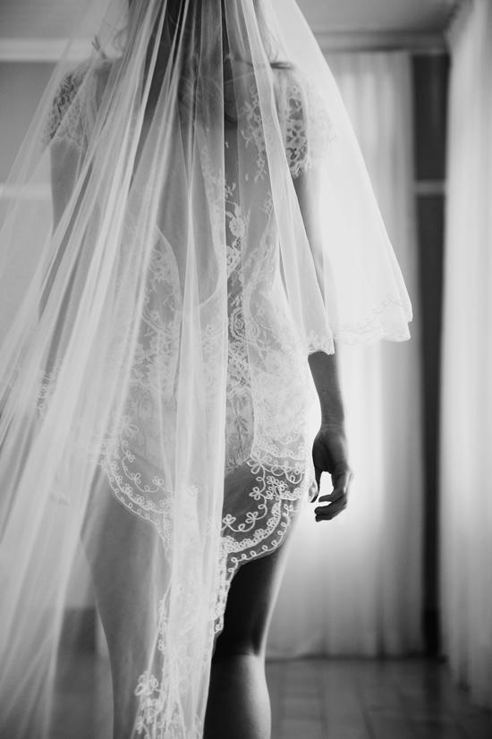 wedding veil inspiration09 Wedding Veils & Window Light