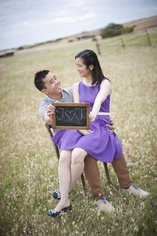 Joann Jay 152 550x826 Jay Sonn and Joanns Quirky Vintage Picnic Engagement Shoot
