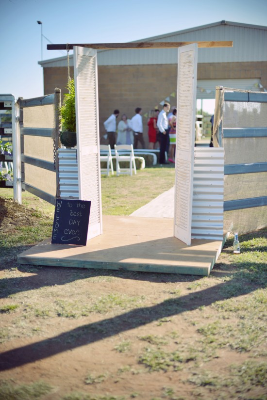 MHP 5506a 550x825 Amy & Toms Rustic Country Wedding