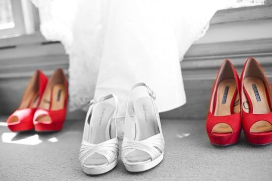 Steve Maura 016 Red Shoes 550x366 Rustic 1940s Polka Dot Wellington Wedding