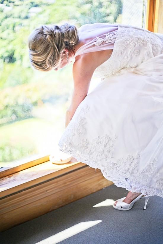 Steve Maura 038 550x825 Rustic 1940s Polka Dot Wellington Wedding