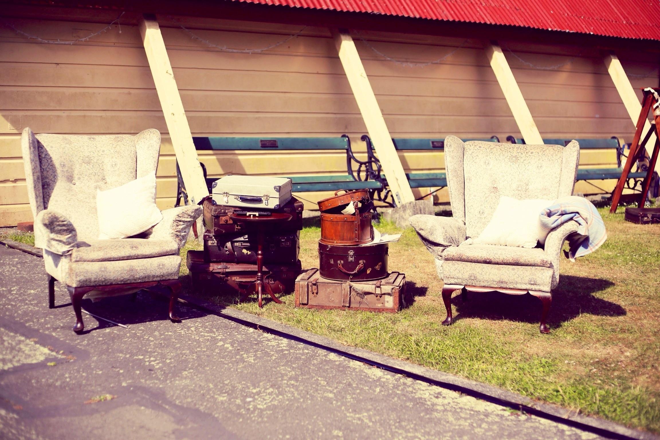 image7 Rustic 1940s Polka Dot Wellington Wedding