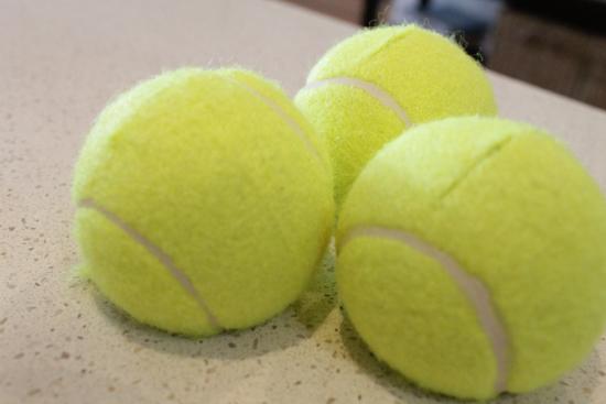 tennis ball placecard holders 2 DIY Tennis Ball Placecard Holders Tutorial