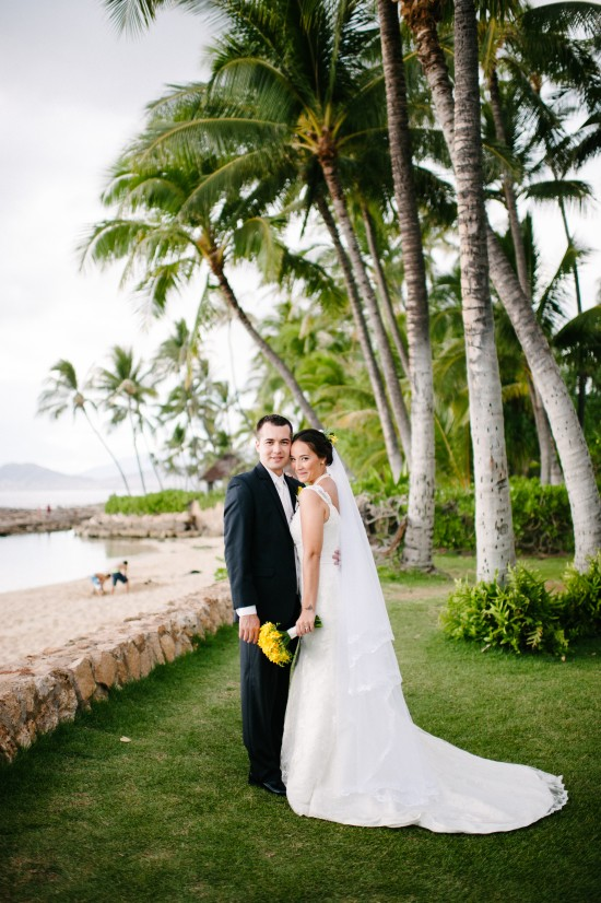 theresa justin 0445 550x826 Selecting A Hawaii Wedding Planner